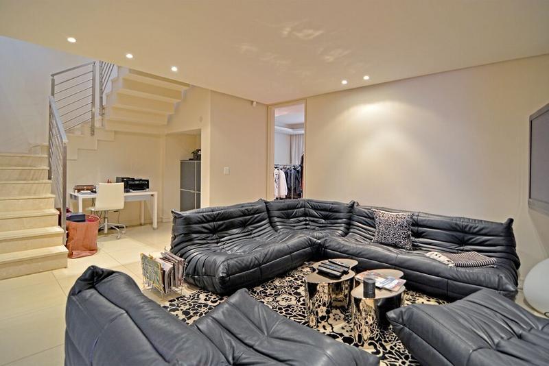 Apartment / Flat For Sale in Morningside, Sandton