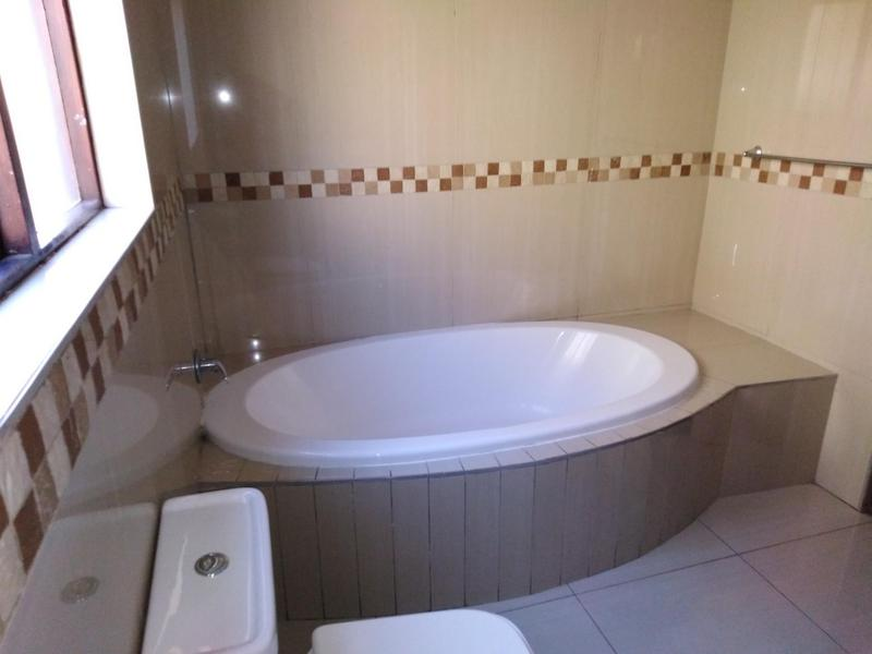 Property For Sale in Noordwyk, Midrand 11